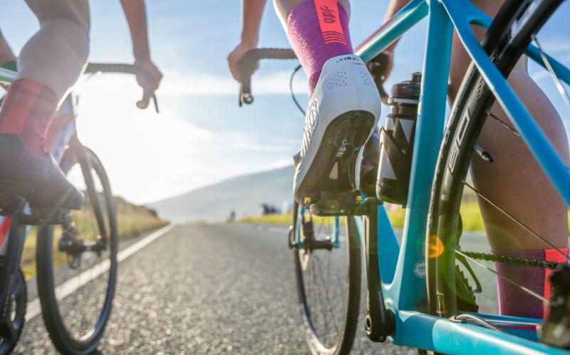 ... helt nya kollektion av cykelskor. Ett åt av intensiv utveckling har  resulterat i en förfinad skokollektion för landsväg fddc8498ac875